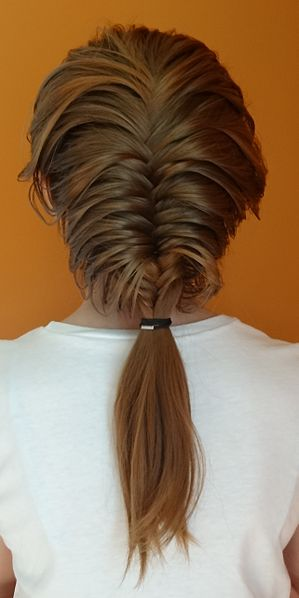 There Are More Than One Type of Fishtail Braid