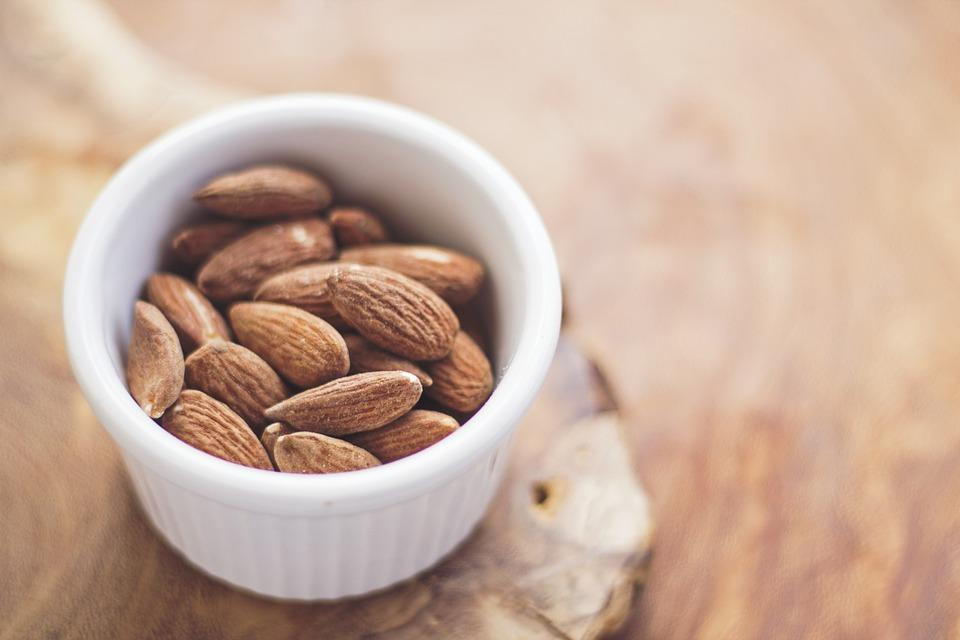 How To Get Healthy Skin With Almonds